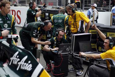 Lotus pit crew