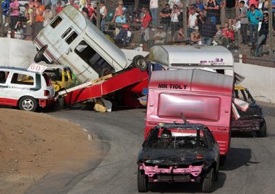 Caravan banger racing