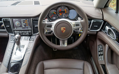 Image of Porsche Panamera Diesel driver's seat