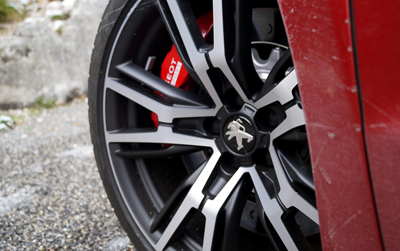 Image of Peugeot RCZ R wheel