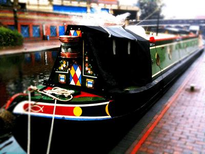 Canal boat - bongo vongo