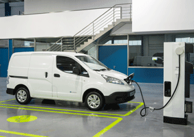 Image of Nissan E-NV200 charging