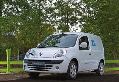 Image of Kangoo ZE electric van being charged