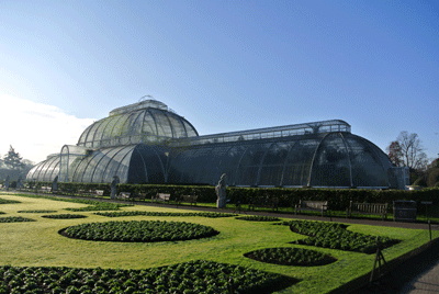 Image of big greenhouse at Kew Gardens