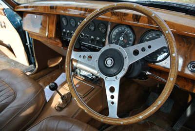 Image of dashboard of Jaguar MK2