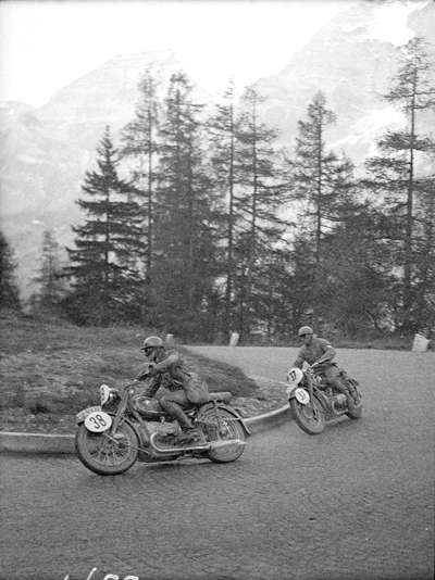 Image of riders at Alpine Pass at 1938 IDST