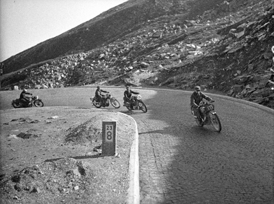 Image of four riders at 1939 IDST