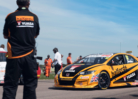 Image of Honda Yuasa Civc at Thruxton