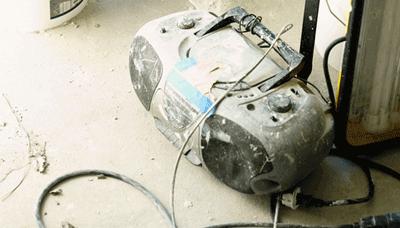 Image of a plasterer's radio