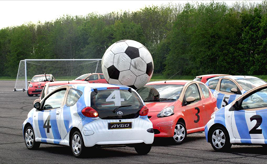 Toyota Aygos, playing football