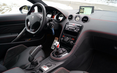 Image of Peugeot RCZ R cockpit