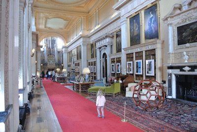 Image of child walking through Blenheim Palace