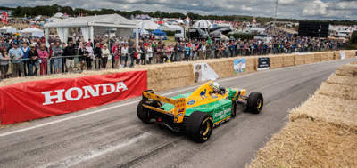 Image of an F1 car at CarFest