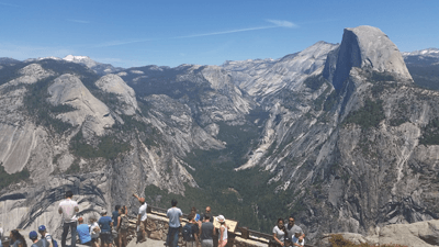 Image of the view from Glacier Point in Yosemite park
