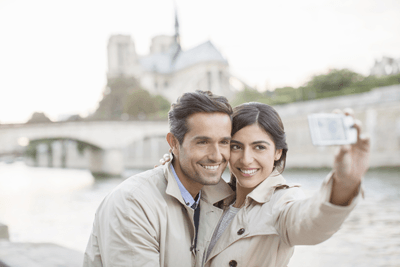 Image of couple taking a selfie in Paris