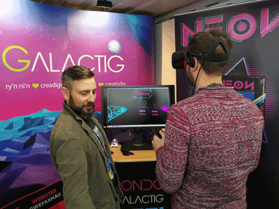 Image of Graffig's game Neon being played